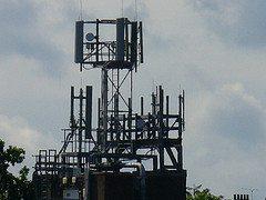 Antennes et terminaux GSM-UMTS-Wi-Fi-WiMax et normes de rayonnement électromagnétique : état de la question